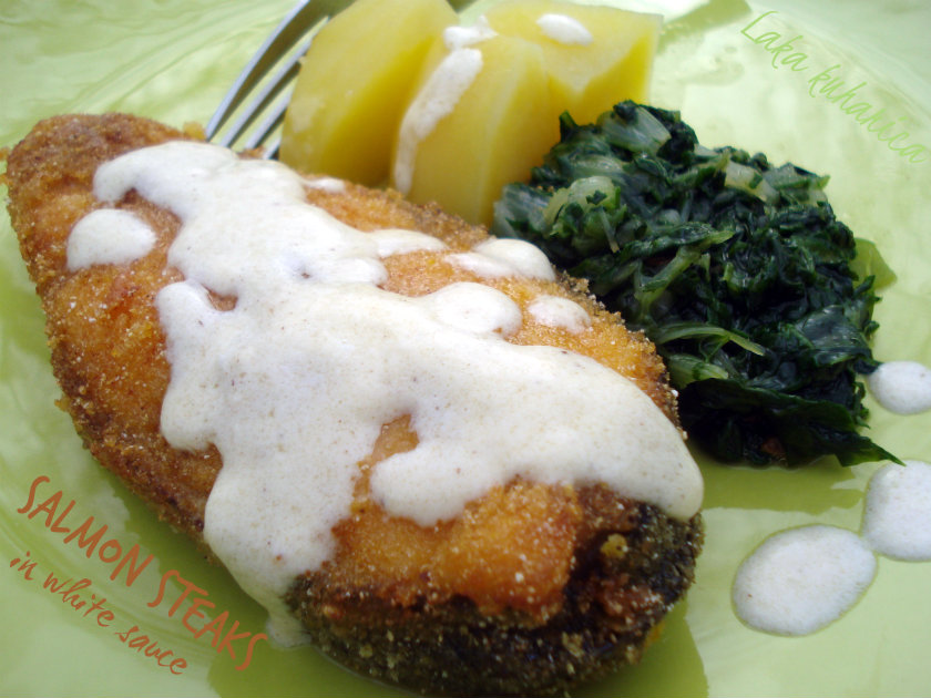 Salmon steaks in white sauce by Laka kuharica: crispy coated salmon steaks accompanied with flavorful white sauce.