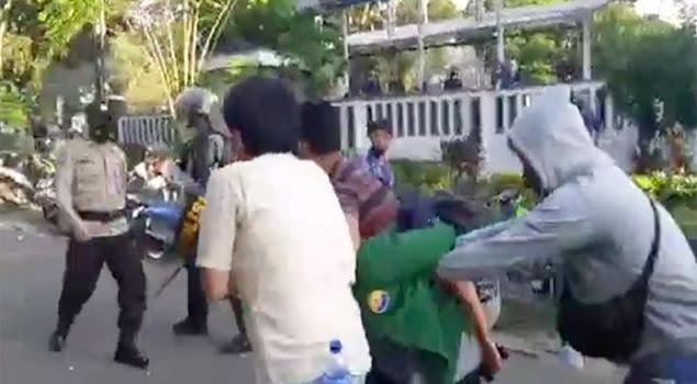 Perwira Menyamar Jadi Pendemo Dihajar Polisi, Anak Buahnya Ngamuk Pukul Polisi