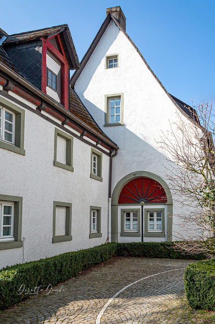 Adelshof, Arnsberg, Dorothe Domke, Adelssitz, von Weichs