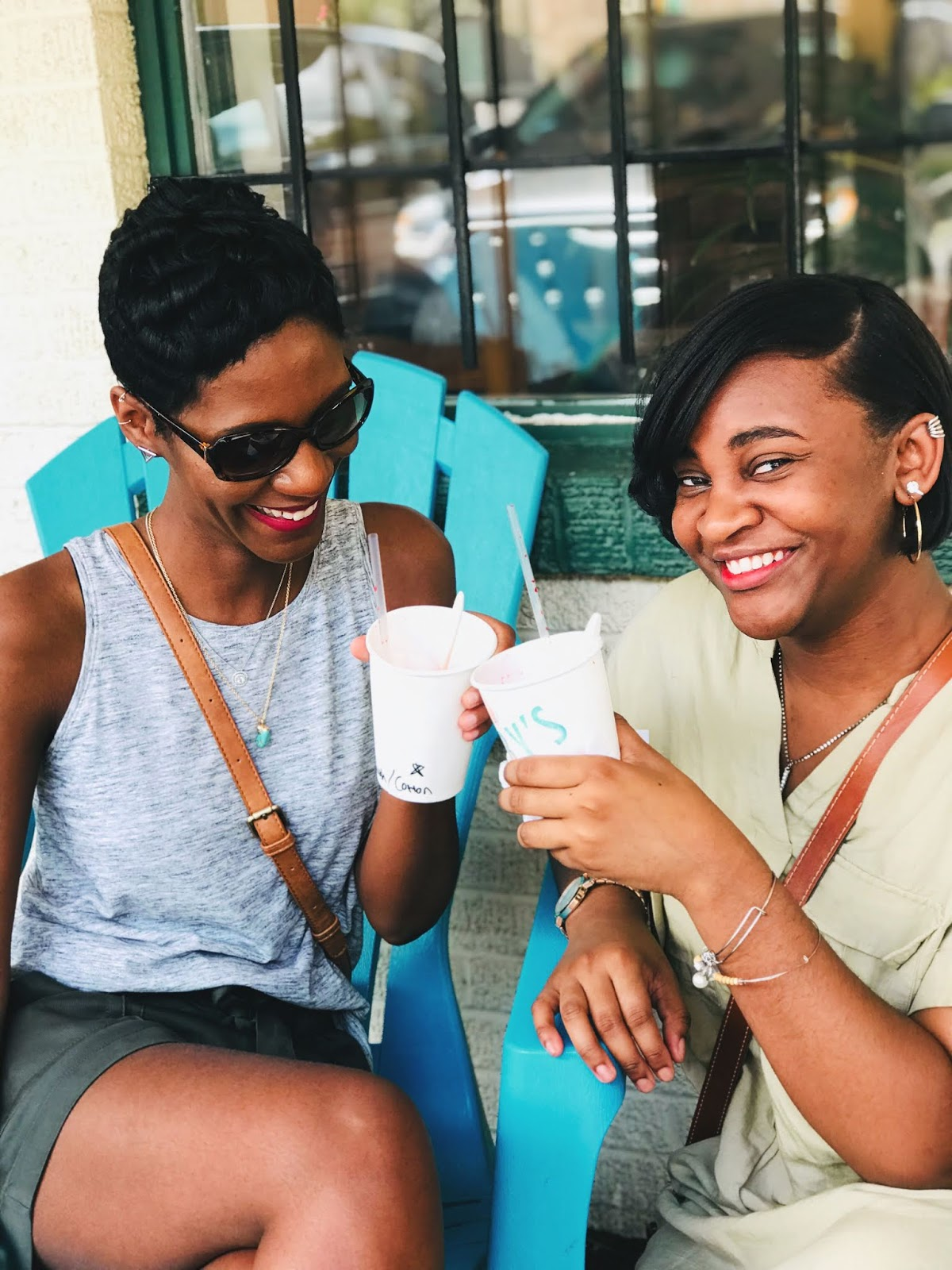 Old Fashioned Sno Cones Are The YUMMIEST: Funny Stories To Tell, Red Lips And A SUPER Hot Day!