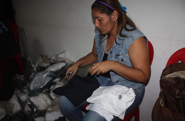 Entregan uniformes escolares para cinco mil alumnos en Rosario de Perijá
