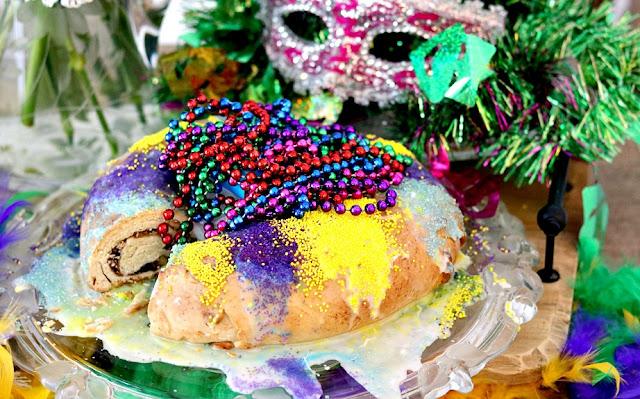 baking,homemade,recipe, cake, baked, dessert, holiday, mardi gras, athomewithjemma.com