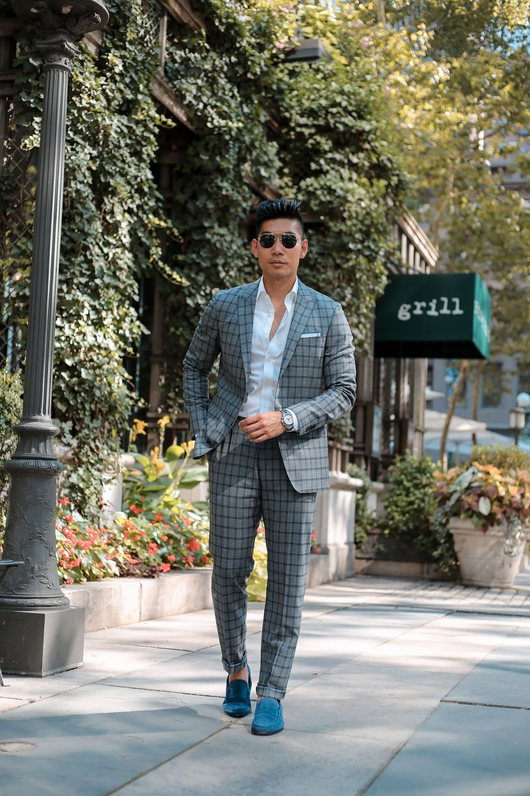 Men's Summer Style, How to Wear Pattern Suit, Prada Teddy Sunglasses, Suede Loafers, Tissot, Menswear Levitate Style, Leo Chan