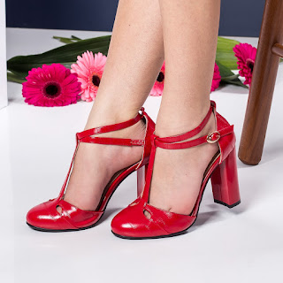 sandale moderne cu toc gros rosii de zi