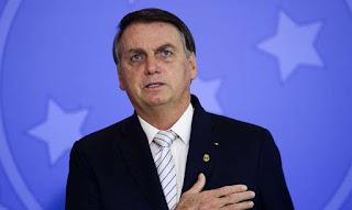 Hashtag #BolsonaroGenocidaSim chega aos tópicos mais acessados do Twitter