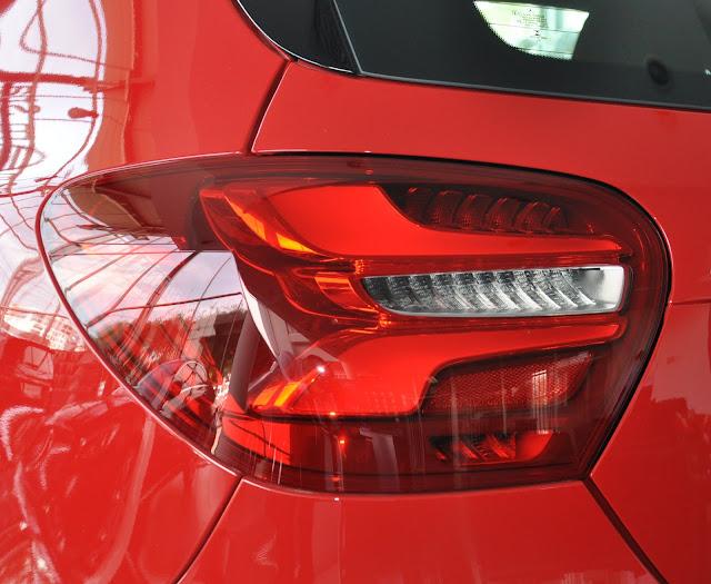 Đèn sau Mercedes A250 2018 thiết kế Led