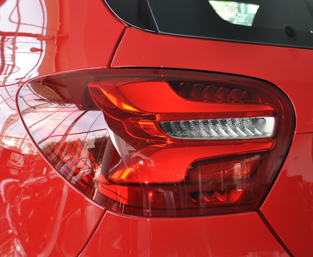 Đèn sau Mercedes A250 thiết kế Led