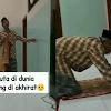 Kakek Ini Buta, Tapi Rajin Salat Meski Harus Meraba-raba Dinding Masjid, Netizen Terharu