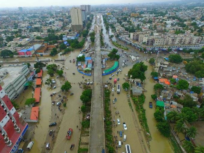 کراچی میں طوفانی بارش نے اگلے پچھلے ریکارڈ توڑ دیے