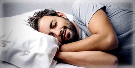 اسباب الضحك اثناء النوم