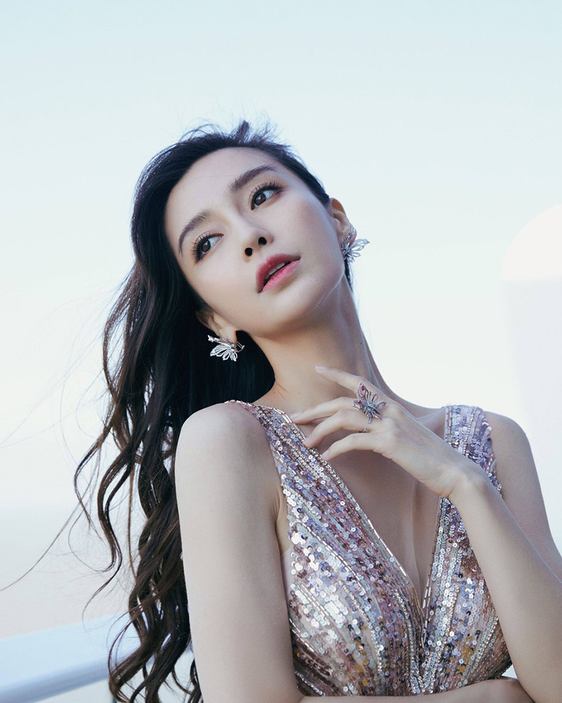 Angela Yeung Wing artis cantik dan seksi imut