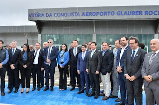 Bolsonaro inaugura aeroporto