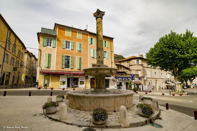 Fuente Pradier, Anduze - Francia, por El Guisante Verde Project