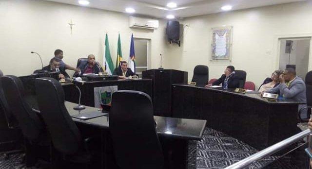 Vereadores criam CPI para investigar mesa diretora, em Aliança
