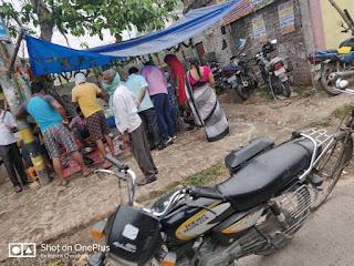 समस्तीपुर के ताजपुर रोड में लगातार मछली की दुकान पर लोगो की काफी भीड़ रहती है जो लॉक डाउन का उलंघन है और खतरनाक है