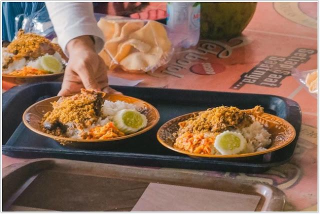 Bebek Sinjay;10 Tempat Kuliner Populer di Madura;
