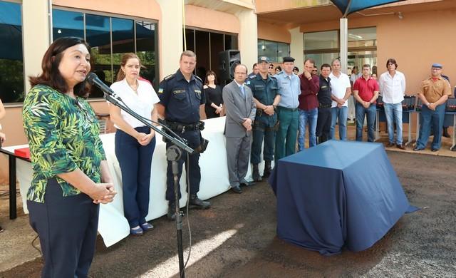 Prefeita prestigia formatura de participantes de curso de escolta da Guarda Municipal de Campo Grande (MS)