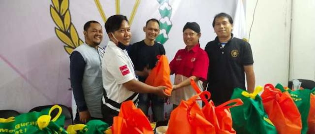 PWRI Kota Depok Bagikan Sembako Kepada Anggotanya