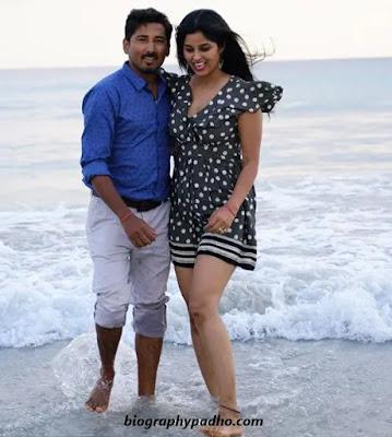 Kanchan Dogra with husband Kanchan Manvendra Dogra