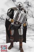 S.H. Figuarts The Mandalorian (Beskar Armor) 64