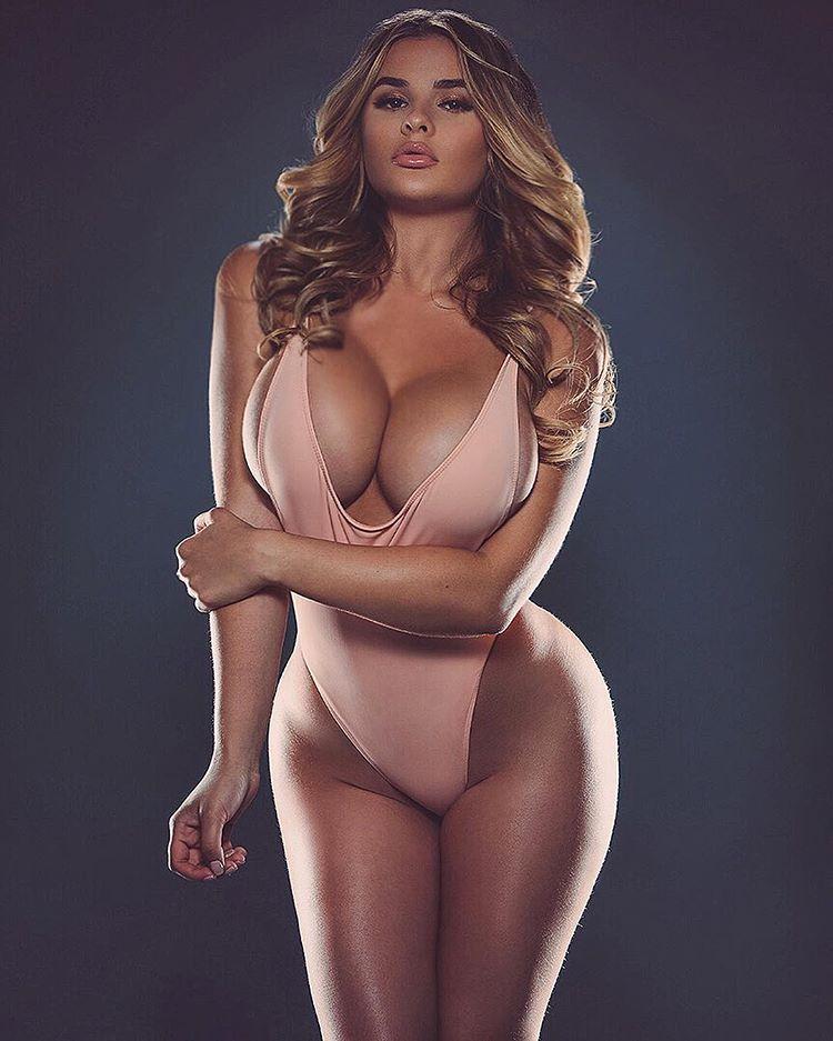 Photo sesion nude model zara 4