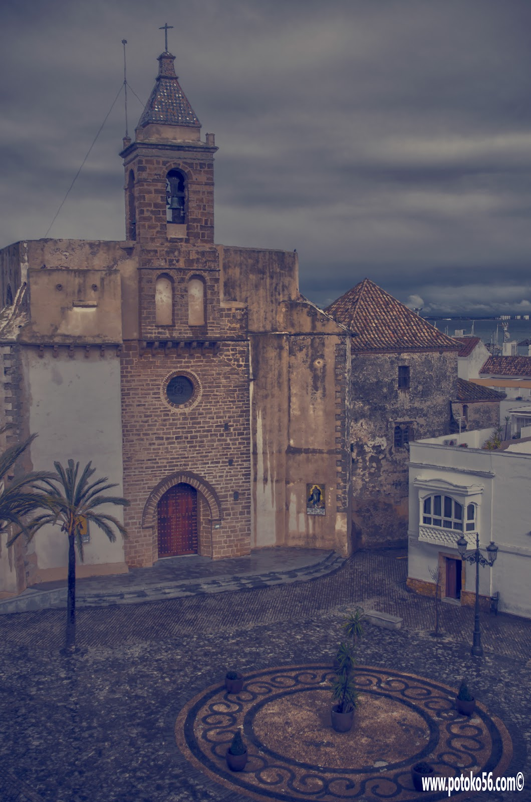 Iglesia Parroquial Ntra. Sra. de La O desde las almenas del Castillo de Luna Rota