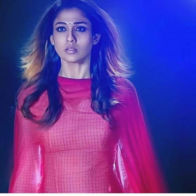 Nayanthara Hot & Sexy Pics