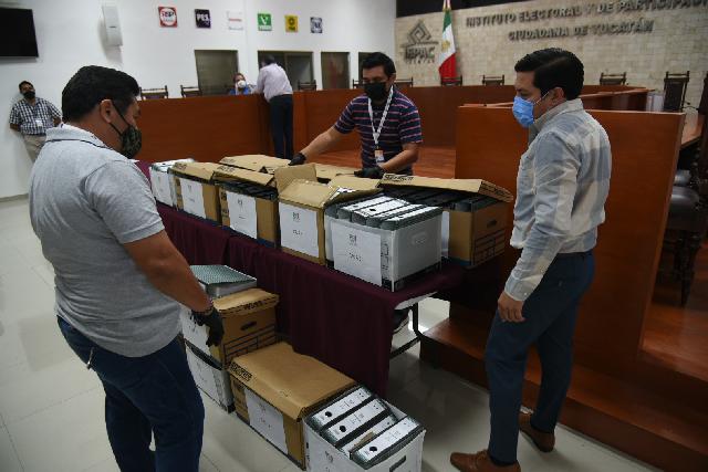 Registra el PRI a 77 candidatos a alcaldes y a 14 para diputaciones locales