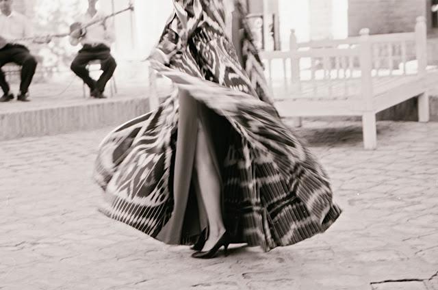Ouzbékistan, Boukhara, danse, © L. Gigout, 1999