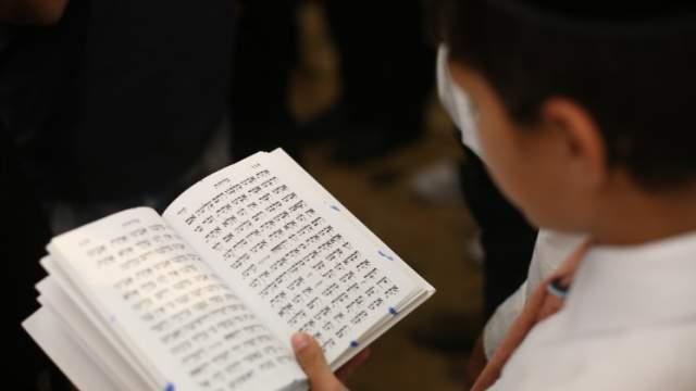 Kisah Aron, Yahudi Jadi Mualaf Setelah Pulang dari Indonesia