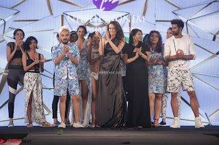 Manjari Phadnis, Meenakshi Dixit, Dipannita Sharma At Designer Nidhi Munim Summer Collection Fashion Week 18th March 2017 (6).JPG