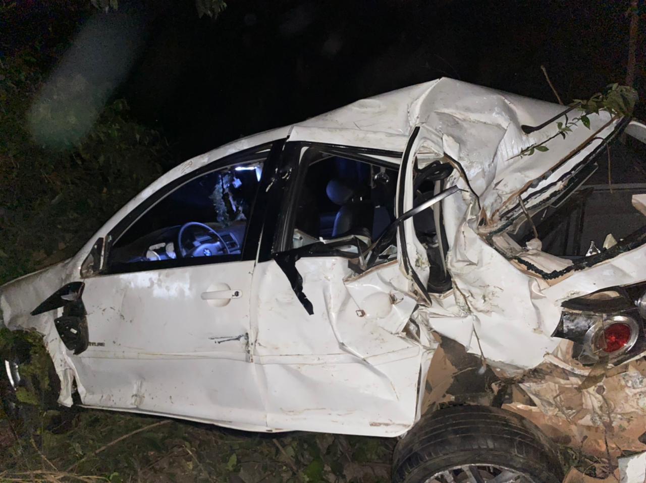 Carro cai de ponte, mata um e deixa vários feridos na BR-155, entre Marabá e Eldorado do Carajás.