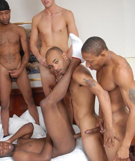 accompagnatore x donne ragazzi giovani gay nudi