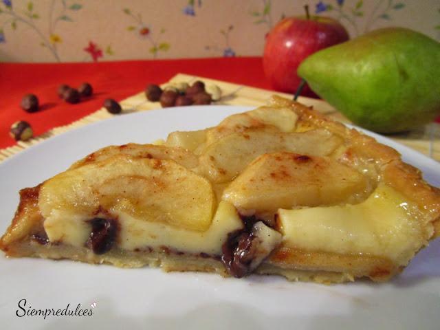 Tarta de pera y manzana con avellanas y chocolate (Siempredulces)