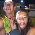 Casal se reconcilia na frente do hospital após brigar e trocar terçadadas em Itacoatiara; veja vídeo
