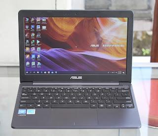 Jual Laptop Asus E203MAH ( Intel Celeron N4000 ) Bekas di Banyuwangi