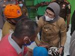 Kunjungi Para Korban, Bupati Nina Perintahkan Dinkes Rujuk ke RSPP Jakarta
