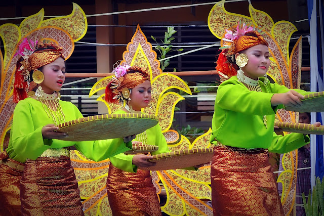 Tari Panen Sumatera Barat