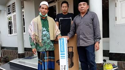 Jawab Kebutuhan Masyarakat, H. Abdul Wahid Bagikan 20 Paket Speaker Wireless dan Kursi