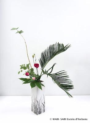 Ikebana-nageire-freestyle-escola-wabisabi-flors