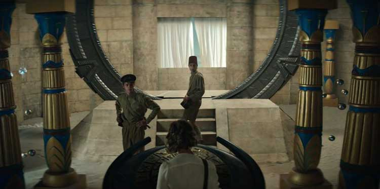Catherine, Beal, and Wasif arrive via the Stargate in Abydos.