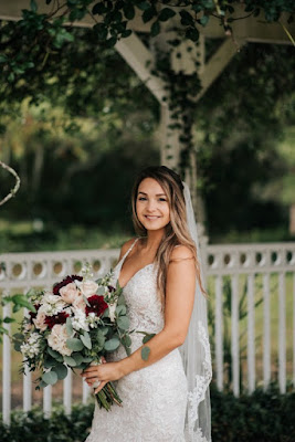bride with big bouquet
