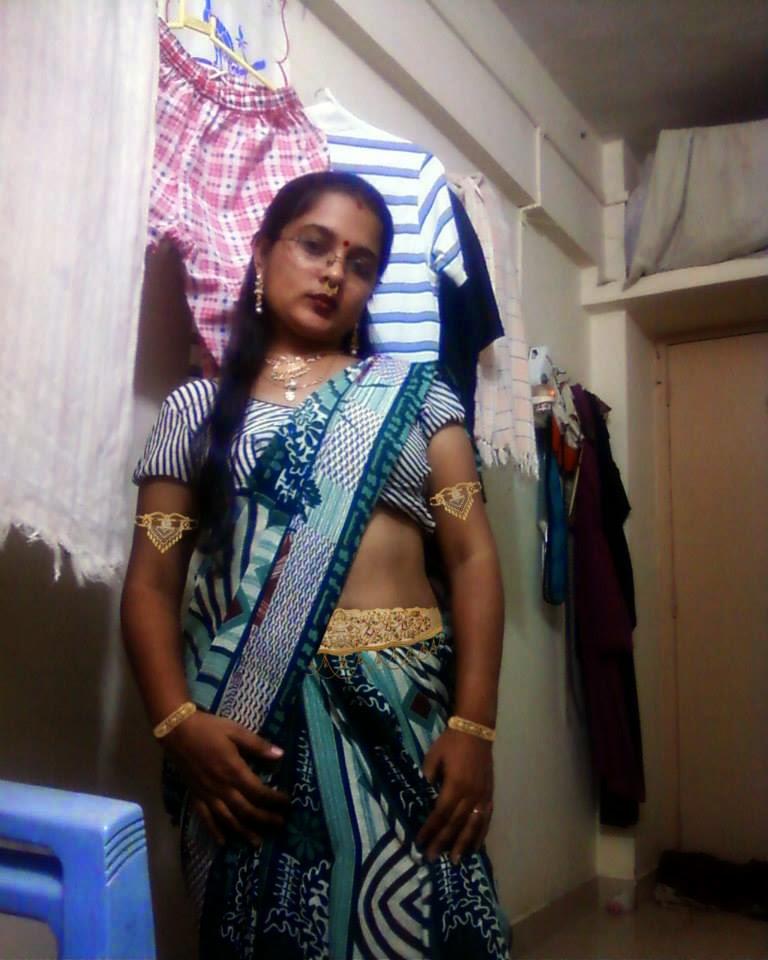 Celebrities Fashion Trend Mangala Bhabhi Take A Selfi -3795