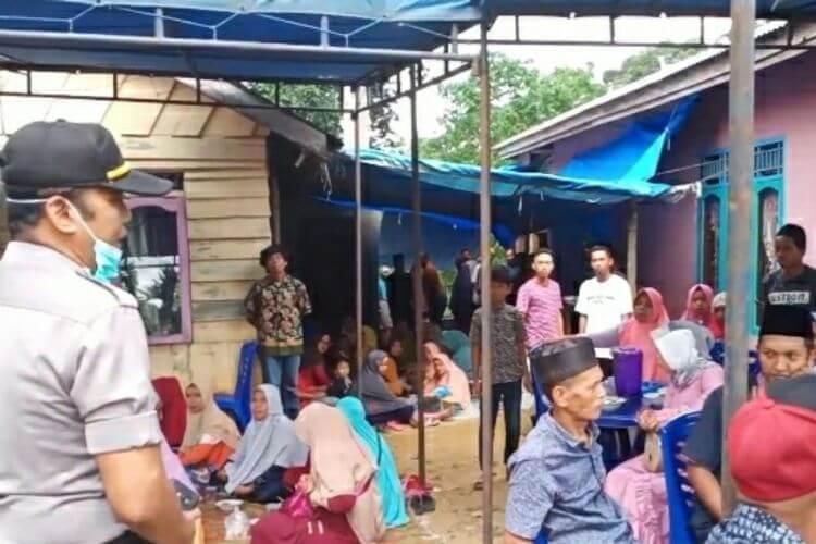 Warga Nekat Gelar Pesta Pernikahan di Tengah Wabah Corona, Dibubarkan Polisi