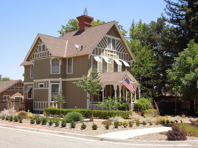 Victorian House in Paso Robles Flying Flag, © B. Radisavljevic