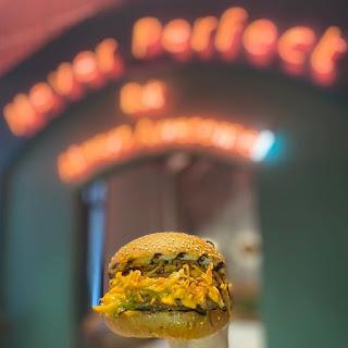 avrupa yakası hamburger mekanları tünel mekanlar şişhane yemek mekanları beyoğlu hamburgerciler