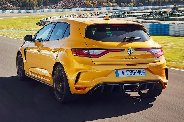 Renault Megane RS yellow