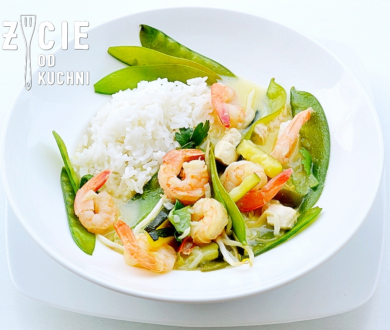 curry, zielone curry, tajska kuchnia, pasta curry, kanokwan, decare, krewetki, curry z krewetkami, curry z kurczakiem, groszek cukrowy, kielki fasoli mung, zycie od kuchni