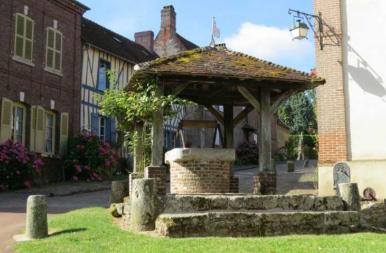 pictures of well houses