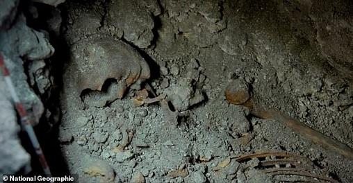 Découvertes de deux squelettes mayas de la royauté vieux de 1500 ans